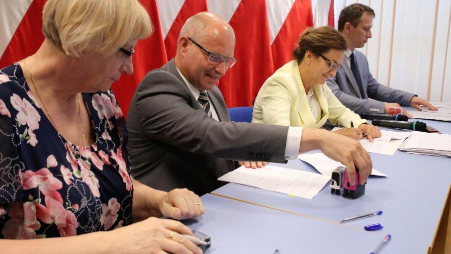 Umowa na nowe linie komunikacji podpisana