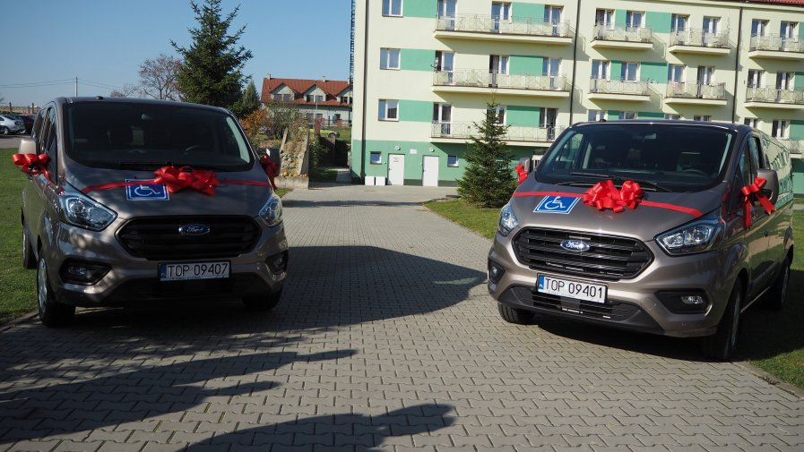 Dwa samochody dla powiatu