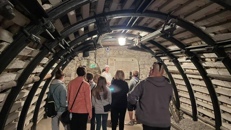 Nocne zwiedzanie podziemi i Domu Muzealnego cieszyło się powodzeniem