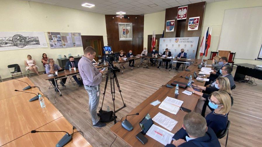 Absolutorium i wotum zaufania dla Zarządu Powiatu w Opatowie