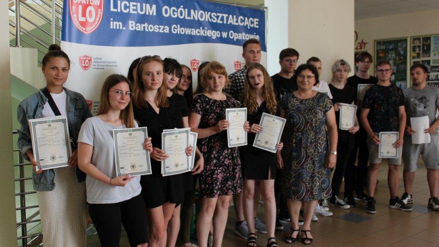 Wręczenie świadectw maturalnych w Liceum Ogólnokształcącym imienia Bartosza Głowackiego w Opatowie