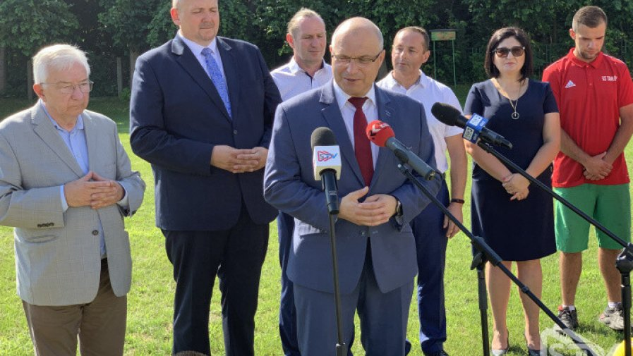 Konferencja prasowa z udziałem Tomasza Stańka, starosty opatowskiego