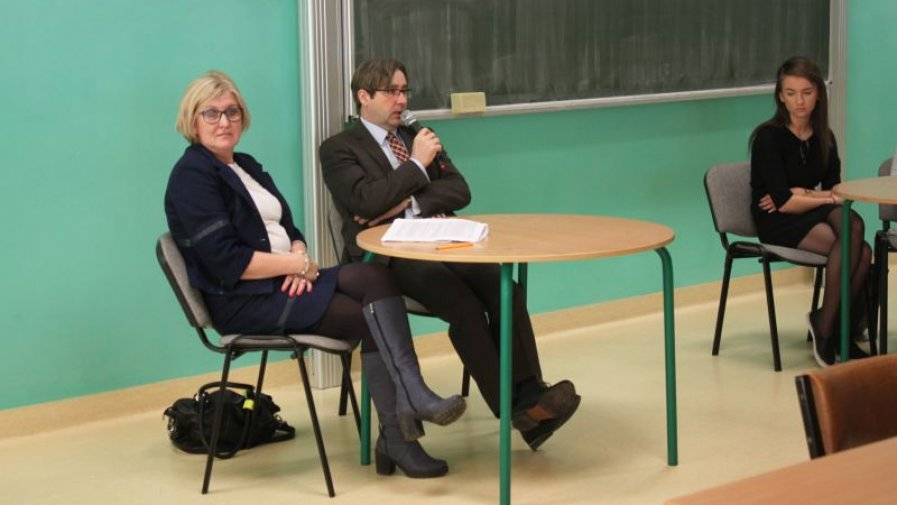 """W """"Bartoszu"""" dyskutowali o zawodach prawniczych"""