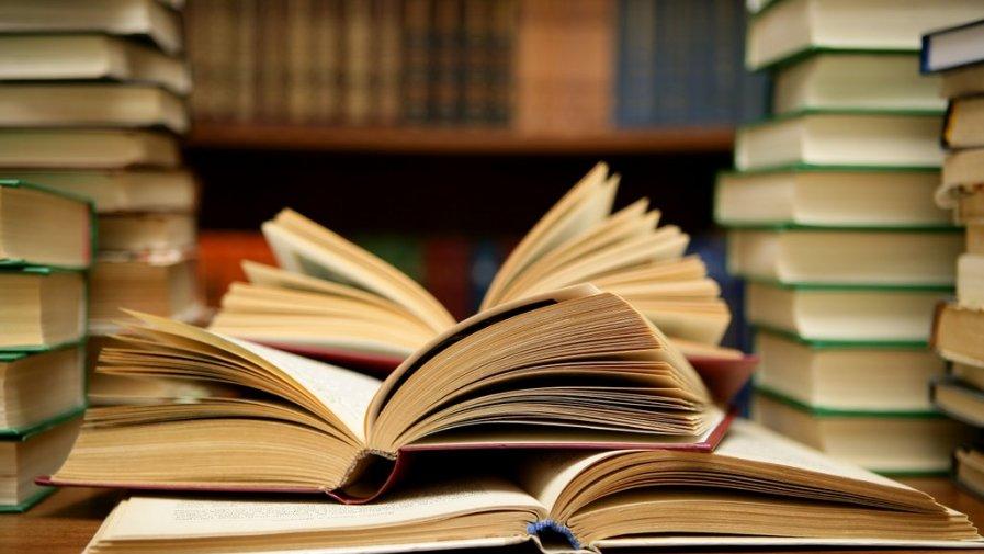 """Na """"Górce"""" uwalniają książki"""