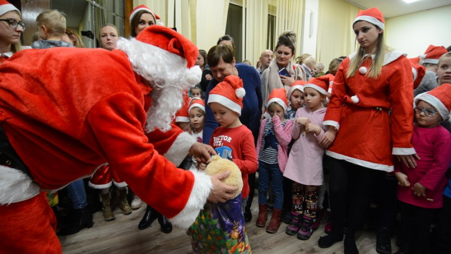 Moc prezentów dla dzieci na Mikołaja w Starostwie Powiatowym