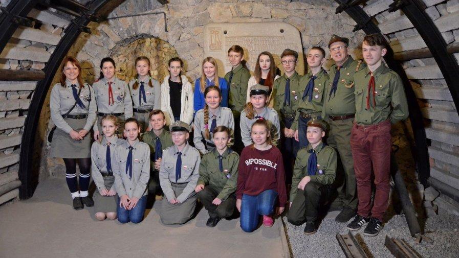 Druhowie z Hufca ZHP Opatów złożyli przyrzeczenie harcerskie w Podziemiach Opatowskich