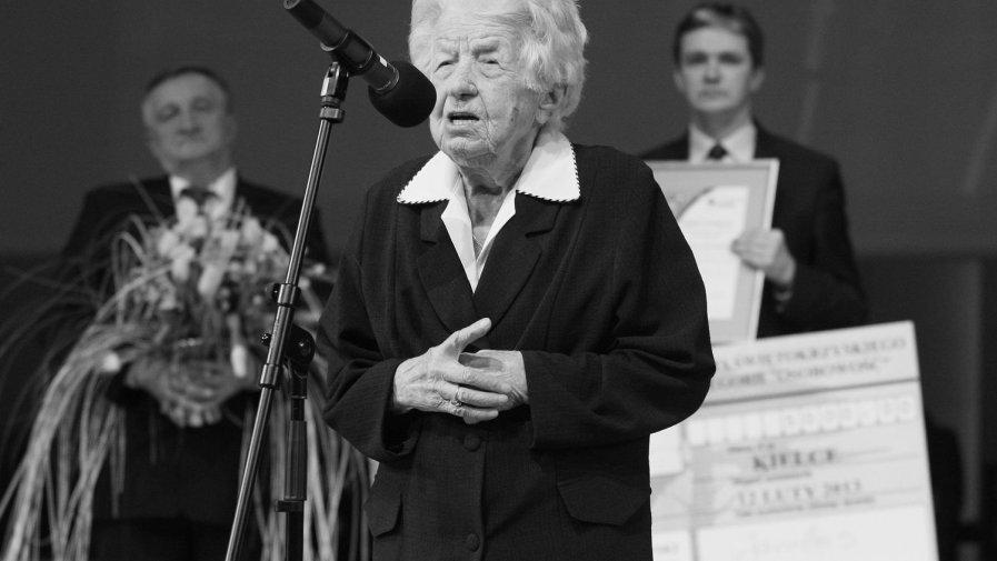 W 2013 roku Irena Szczepańska odebrała tytuł Victorii Świętokrzyskiej w kategorii osobowość. Nagrodę przyznawał Urząd Świętokrzyski.