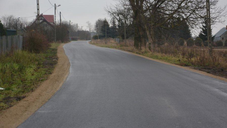 Kolejne inwestycje drogowe w powiecie opatowskim zakończone i oddane do użytku