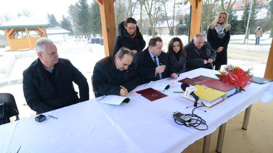 Umowa na dofinansowanie Promenady, Domu Muzealnego i uatrakcyjnienia podziemi podpisana