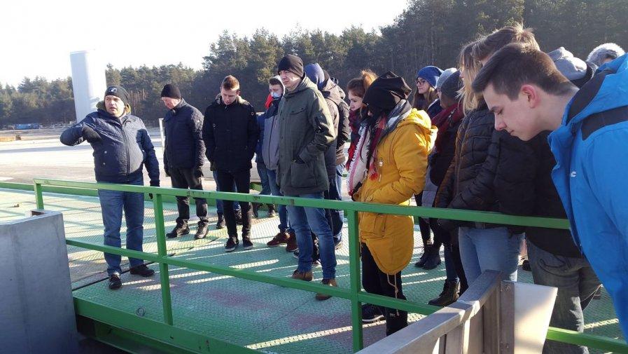 Logistycy z Opatowa na wizycie w fabryce soków w Koprzywnicy