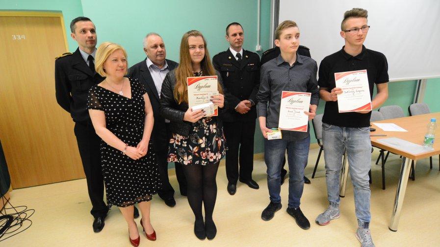 Laureaci konkursu w trzeciej, najstarszej grupie wiekowej: Marcelina Furmańska, Karol Czerwik, Bartek Targowski.