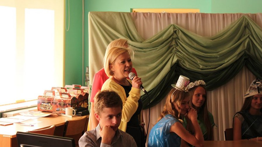 Barbara Kasińska, dyrektor Liceum Ogólnokształcącego imienia Bartosza Głowackiego w Opatowie powitała uczestników ekokonkursu.
