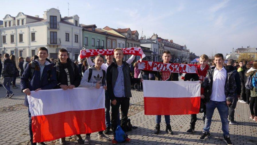 Zespół Szkół nr 1 w Opatowie uczcił 100-lecie odzyskania przez Polskę Niepodległości
