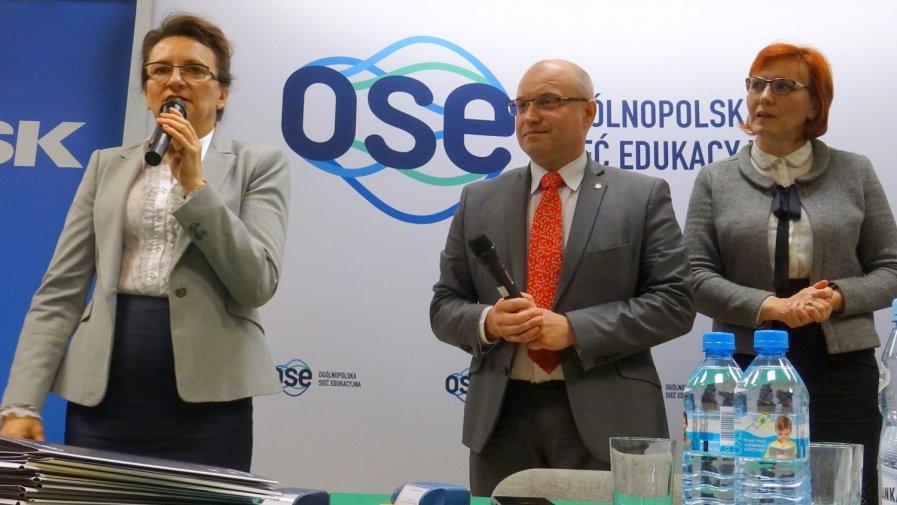 Ważne umowy na Internet podpisano w Opatowie