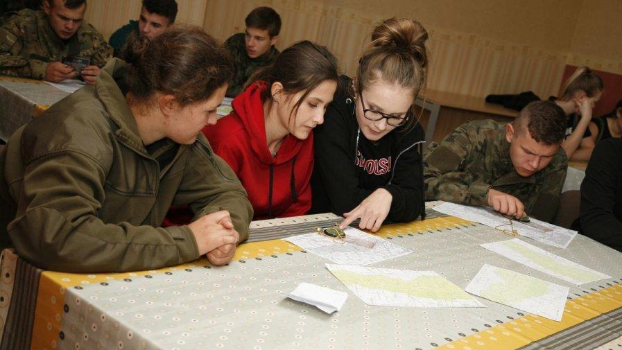 Manewry Grom Combat dla uczniów klas mundurowych Zespołu Szkół numer 1 w Opatowie