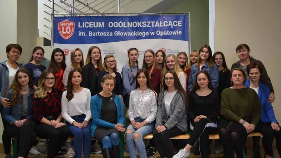 """Wolontariusze """"Bartosza"""" w przedświątecznej akcji dla innych"""