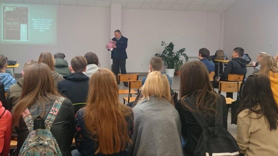 Regionalista Marek Lis przybliżył młodzieży drogę Polski do niepodległości