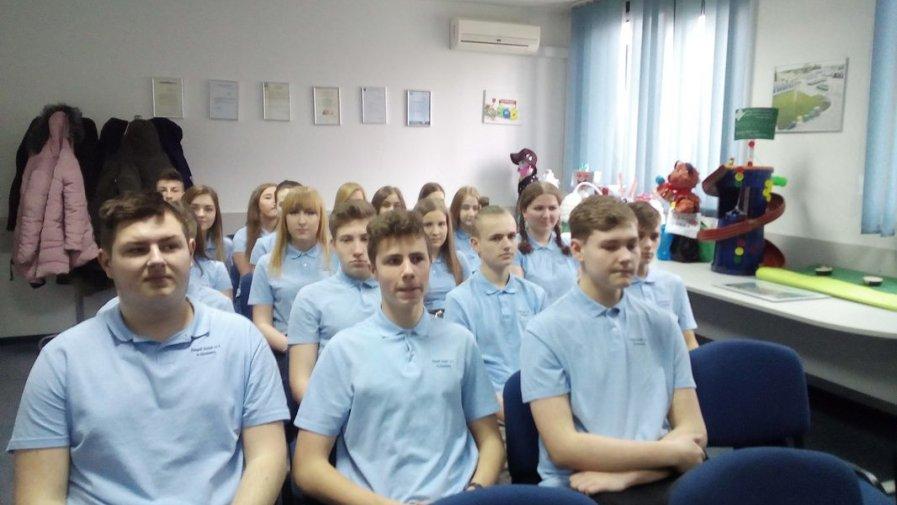 Uczniowie Logistyka poznają swój zawód w praktyce