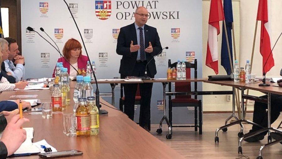 Z wójtami i burmistrzami z gmin i miast powiatu opatowskiego rozmawialiśmy o transporcie zbiorowym